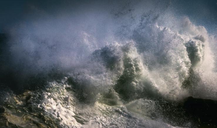 crashing-waves-1494707